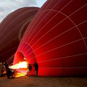hot-air-balloon-ride-1028896_1920